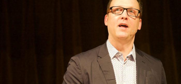 Scott Smith: Dark Patterns, how the future trips us